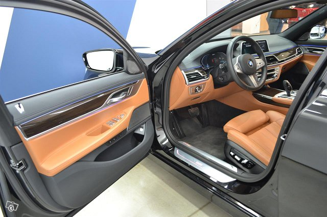 BMW 745 13