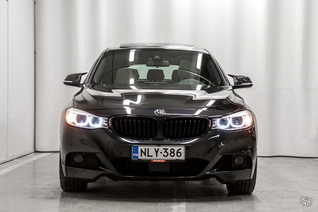 BMW 330 Gran Turismo 5