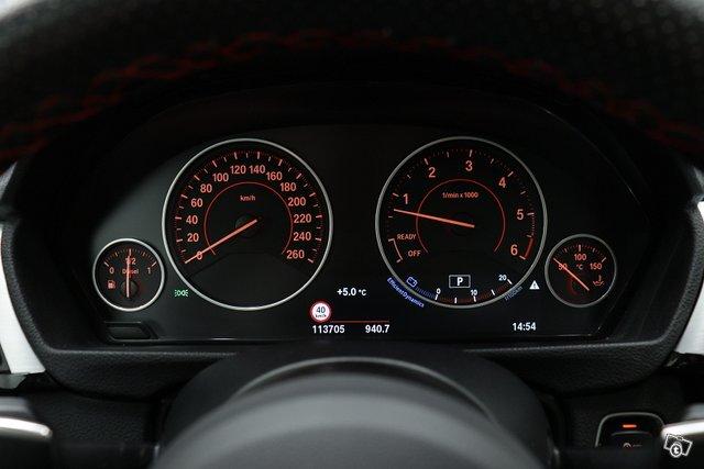 BMW 330 Gran Turismo 10