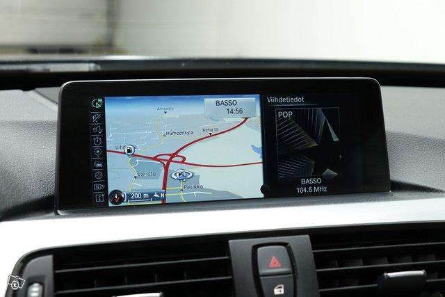 BMW 330 Gran Turismo 12