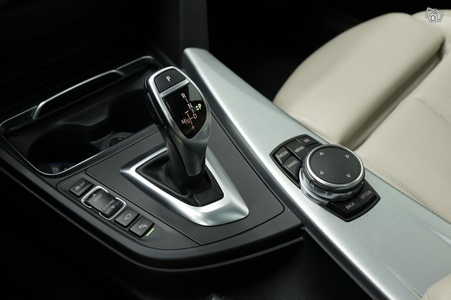 BMW 330 Gran Turismo 15