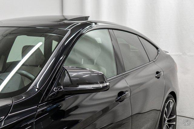 BMW 330 Gran Turismo 19