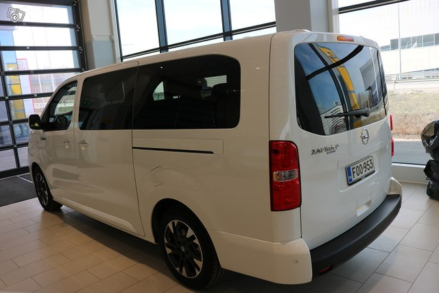 Opel Zafira-e 3