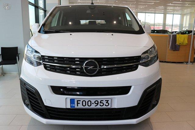 Opel Zafira-e 4