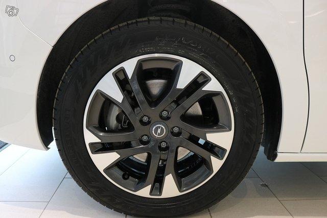Opel Zafira-e 12