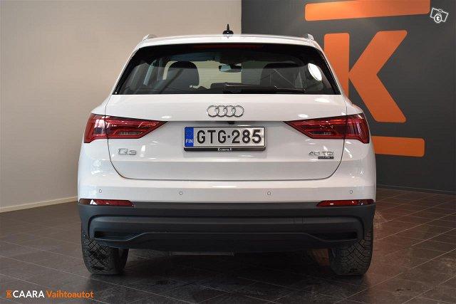 Audi Q3 5