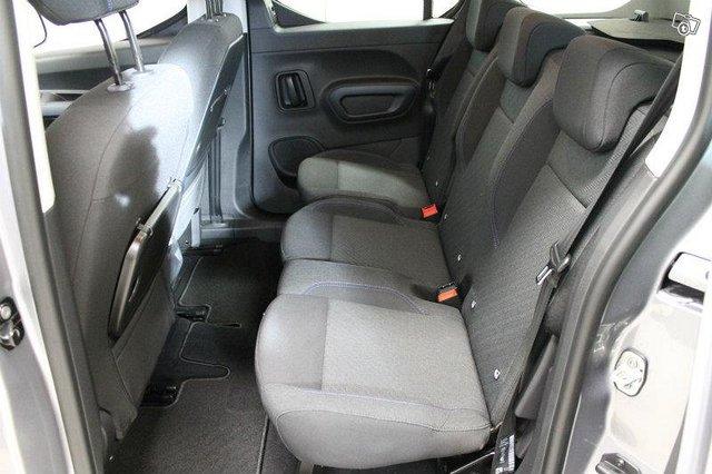 Peugeot Rifter 7