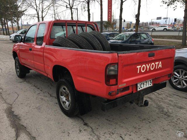 Toyota HILUX-4X4 2,4TD 4