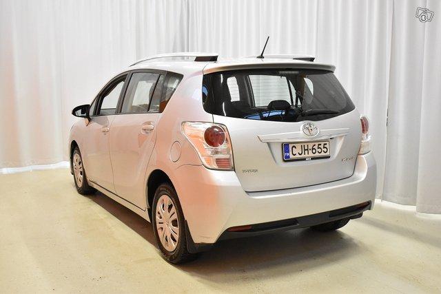 Toyota Verso 5