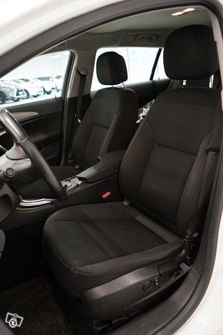 Opel Insignia Sports Tourer SW 10