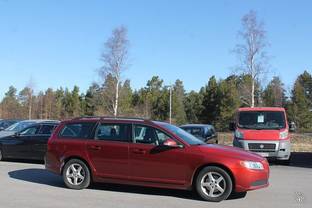 Volvo V70 5