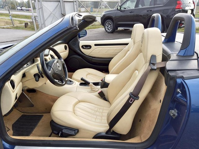 Maserati 4200 11