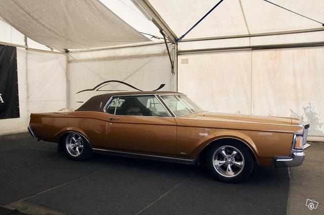 Lincoln Continental 6