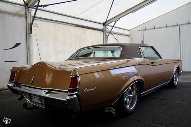 Lincoln Continental 15