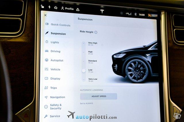 Tesla Model X 23