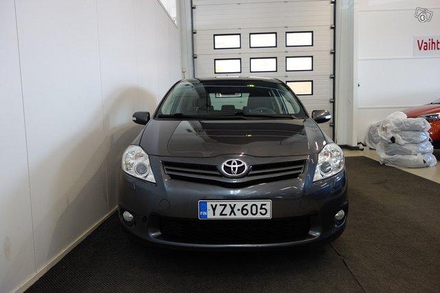 Toyota AURIS 13