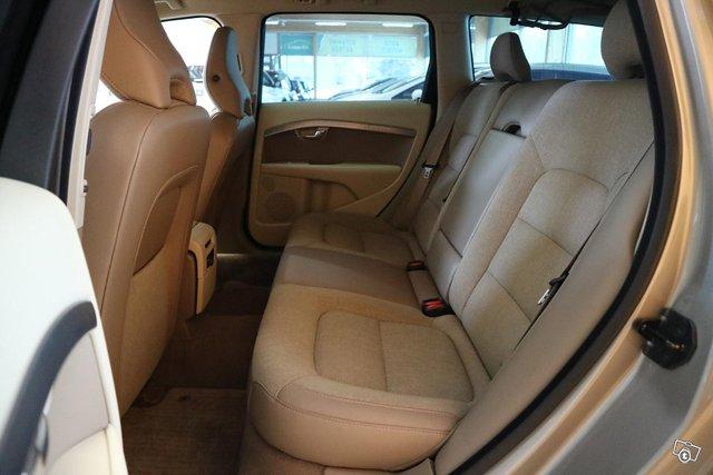 Volvo XC70 14