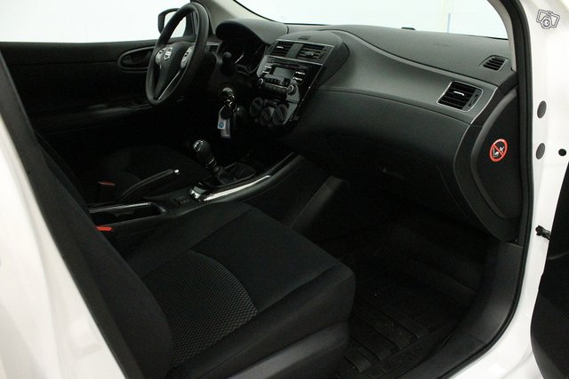 Nissan Pulsar 11