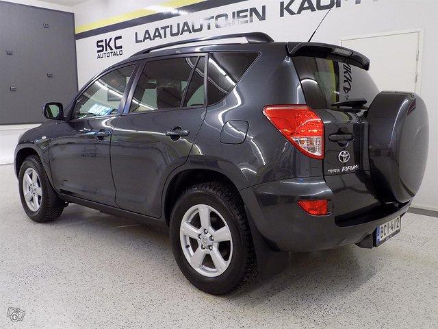 Toyota RAV4 2