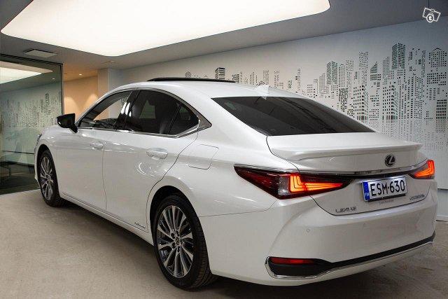 Lexus ES 2