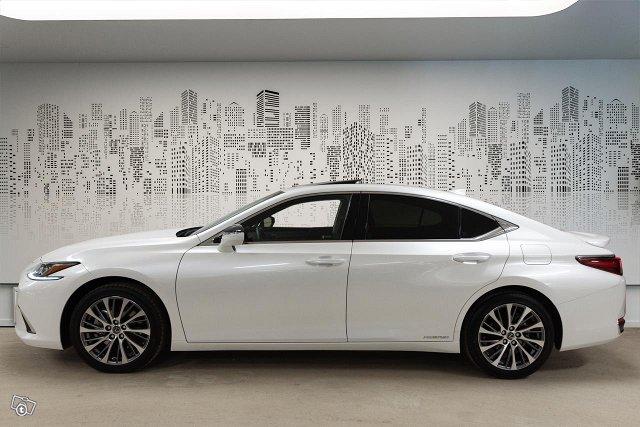 Lexus ES 3