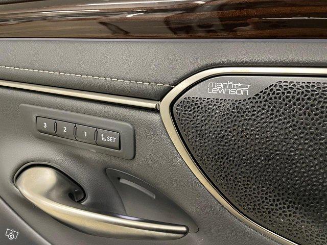 Lexus ES 15