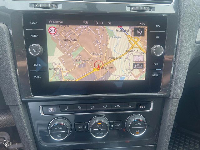 Volkswagen Golf 10