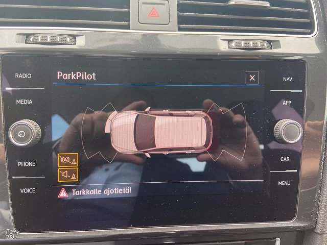 Volkswagen Golf 12