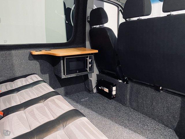 Mercedes-Benz Sprinter 9