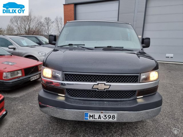 Chevrolet Express 3500 5
