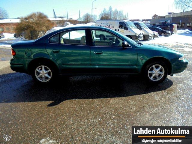 Chevrolet Alero 3