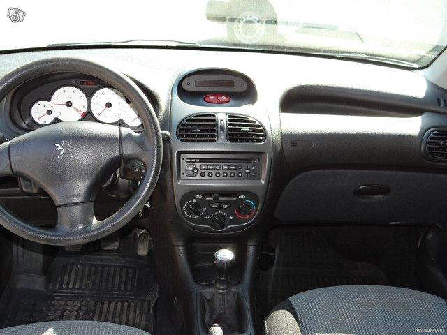 Peugeot 206 12