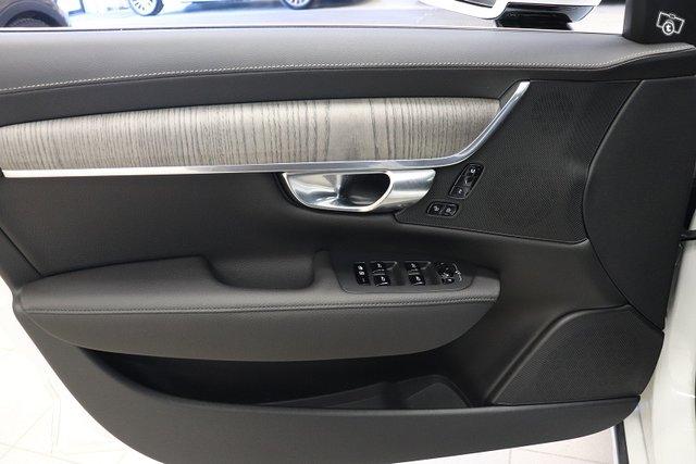 Volvo S90 18