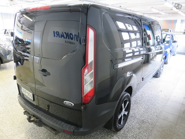 Ford Transit Custom 11