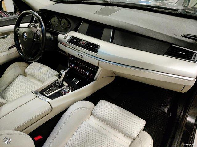 BMW 530 Gran Turismo 12