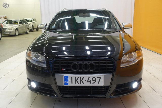 Audi S4 2