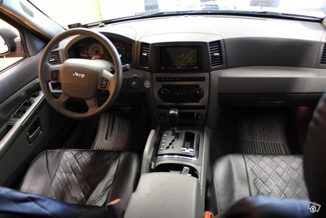Jeep Grand Cherokee 10