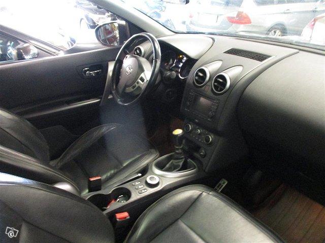 Nissan Qashqai+2 6