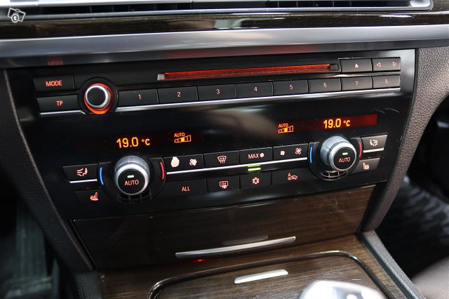 BMW 730 16