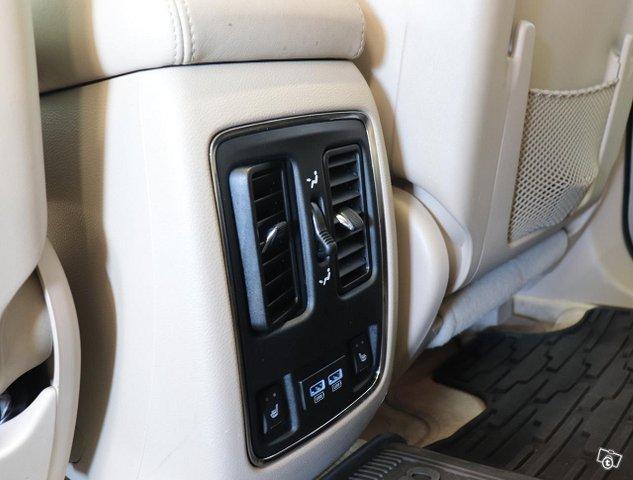 Jeep Grand Cherokee 23