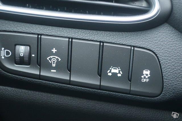 Hyundai I30 Fastback 11