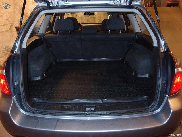 Subaru Legacy 11