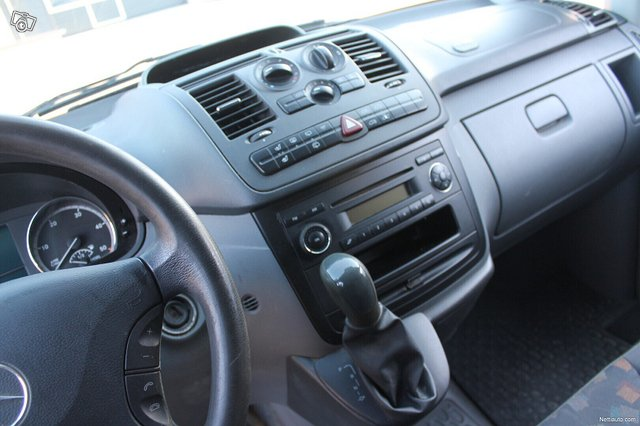 Mercedes-Benz Vito 21