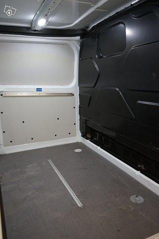 Ford Transit Custom 13