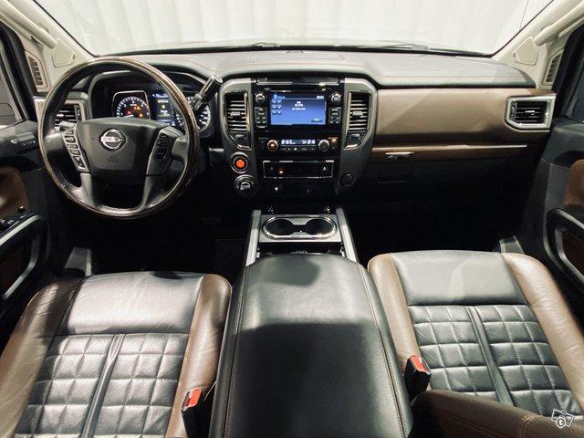 Nissan Titan 6