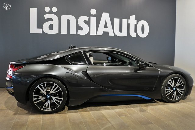 BMW I8 6