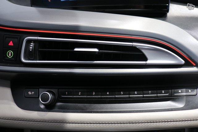 BMW I8 18