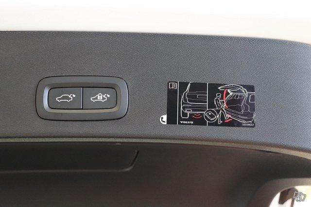 Volvo XC40 21