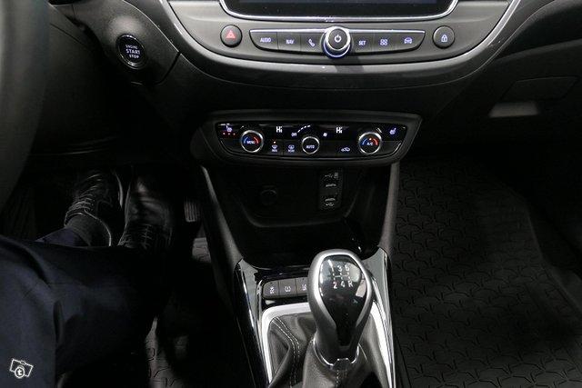 Opel CROSSLAND 13