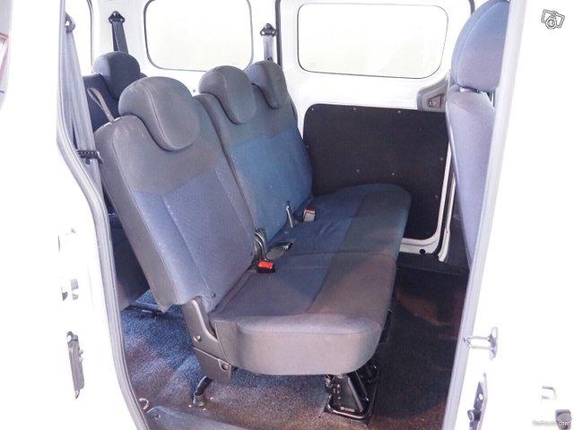 Nissan NV200 7